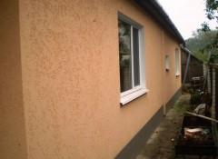 Особенности применения рельефной штукатурки в оформлении фасада дома