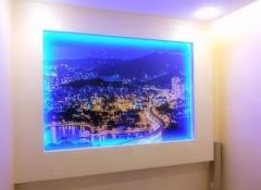 Интересное решение — панно и картины с подсветкой на стену