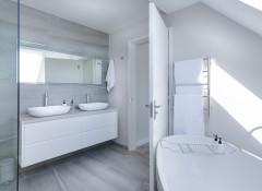Как выбрать зеркало в ванную?
