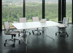Особенности столов для переговоров